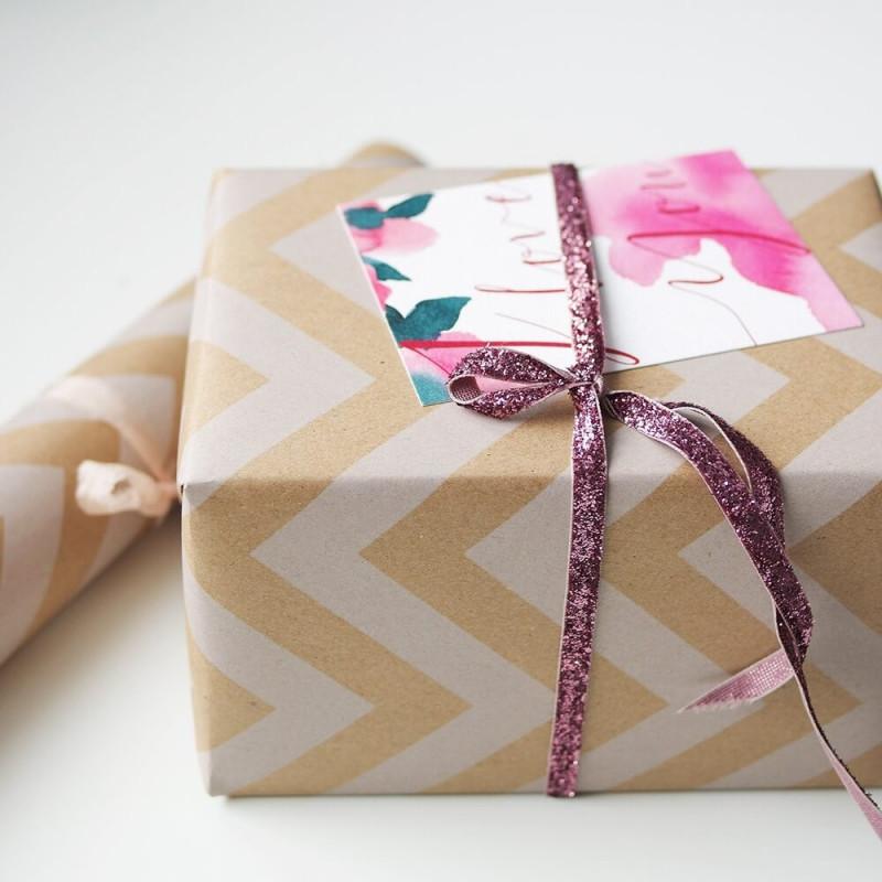 Открытки и упаковочная бумага, марта новые дизайнерские